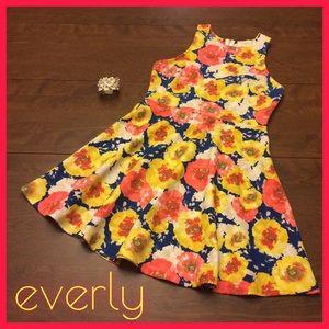 EVERLY Floral Minidress + Bracelet